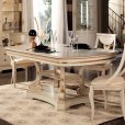 Vicent Montoro, classic dining table fron Spain, classic dining rooms.